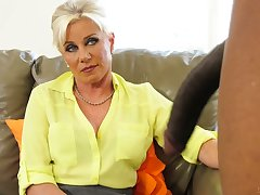Sexy cougar Payton Ch�teau bangs her black patient whose cock is combining big