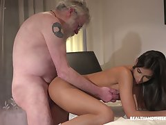 Bearded abb� eats wet pussy delicious pussy of charming Angela Allison
