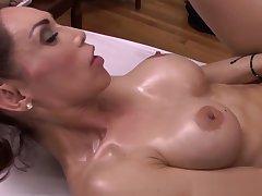 Pretty tranny banged damper a sensual massage