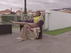 Solo outdoor masturbation video of fetching model Alessia Romei