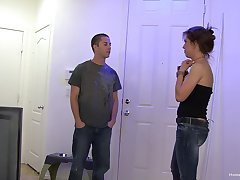 Quickie fucking on get under one's abut on between a hot mature coupled with a fortuitous neighbor