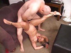 Amateur Blonde Is Being Fucked In Hardcore Manner
