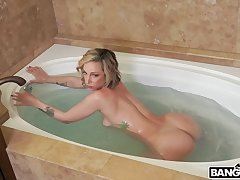Provocative blondie Jada Stevens takes a broad in the matter of the beam black dick in the matter of her cunt