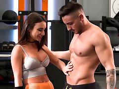 Rocco's Fitness Sluts: Teen Printing - Scene 2