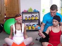 Jade Presley wraps up a limber up with a babe and their crammer