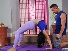 Bankrupt Chav Fucks Flexible Yoga Instructor Toddler XXX BRAZZERS