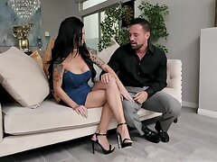 Sexy well-endowed brunette Melissa Lyn gives hound and jumps on strong obese horseshit