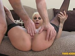 Sexy Spanish Pulchritude Shows She Knows How To Properly Fuck Factor